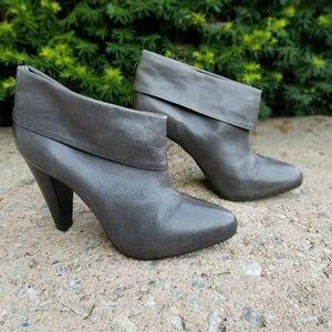 Pour La Victoire leather heel booties